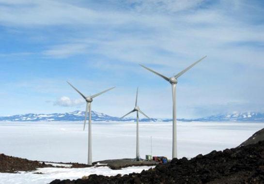 Ветровая электростанция на острове Роса в Антарктиде