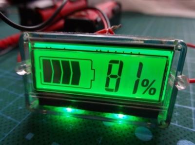 индикатор уровня зарядки АКБ
